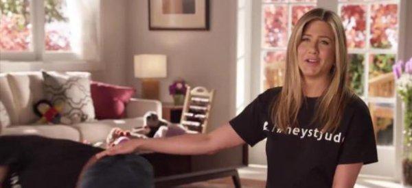 Jennifer Aniston : La star chante pour soutenir les enfants malades