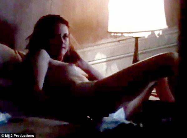 """(Vidéo +Photos)  Kristen Stewart : Découvrez les images très sexy de son film """"On the Road""""."""