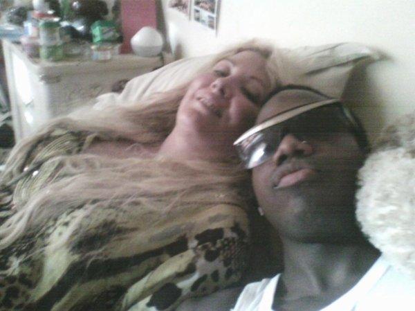 ( Photos +Vidéo) Loana : Jeremstar dévoile des photos intimes et compromettantes de la bimbo