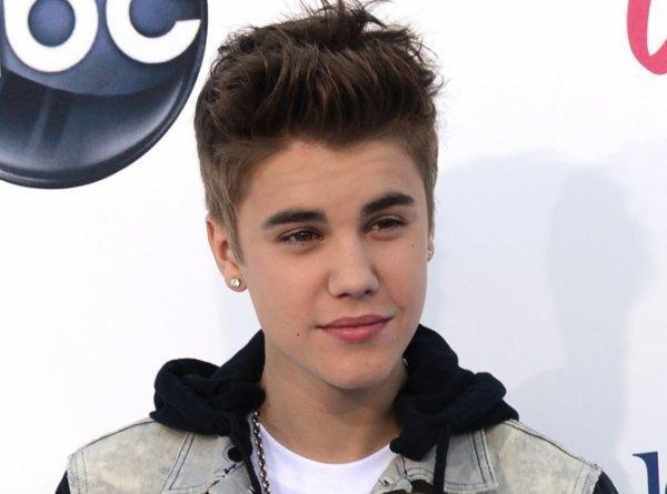 Justin Bieber : Un homme l'accuse de lui avoir volé  sa carte bleue pour s'acheter  un agrandisseur de pénis