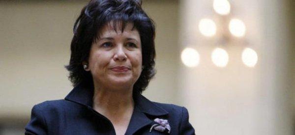 Anne Sinclair : Elle va intervenir à la fois sur France Inter et Europe 1  pour commenter les élections américaines