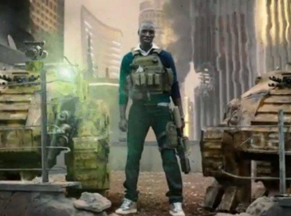 """( Vidéo) Omar Sy : Découvrez sa première pub américaine pour les jeux vidéo """"Call Of Duty"""""""