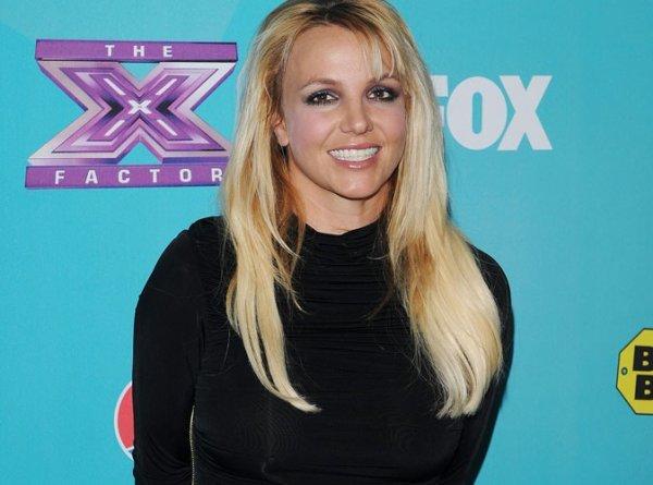 """Britney Spears : Elle signe pour une seconde saison dans """"X Factor"""""""