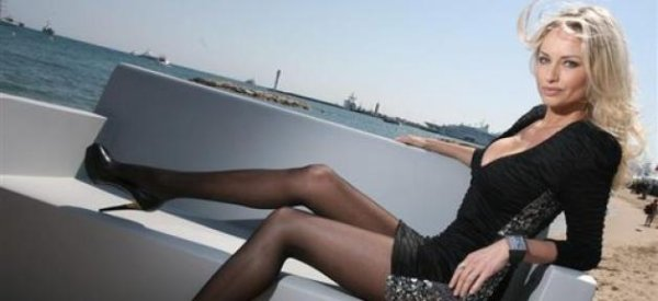 Adriana Karembeu : Elle sera aux côtés de Mireille Darc et Alain Delon pour élire Miss France sur TF1