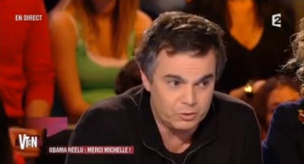 ( Vidéo)  Valérie Trierweiler et François Hollande: En 2006, ils cachaient leur amour adultérin chez le plus grand paparazzo de Paris