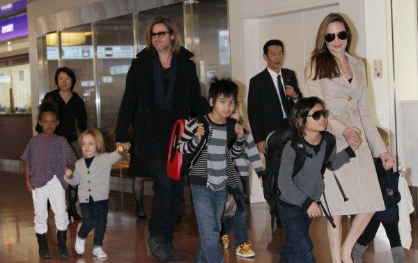 Brad Pitt : Ses enfants font une bataille de nourriture dans une pizzeria