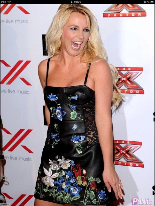 Britney Spears : Délirante mais pas sexy pour la soirée X Factor