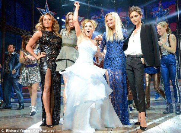 Victoria  Beckham : Elle snobe les Spice Girls à l'avant-première de leur spectacle