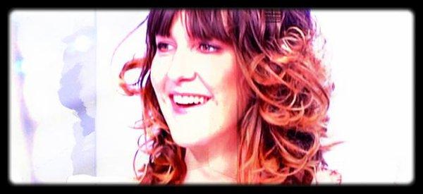 """Daphné Bürk : La présentatrice du grand hjournal de Canal+ reçoit le trophée """"femme de media"""" 2012"""