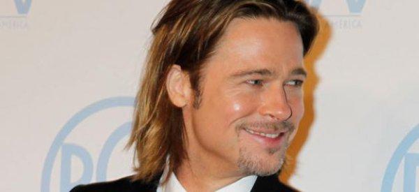 """Brad Pitt : Il post un simple message """" C'est bien vrai, J'arrive"""" et le web chinois s'affole"""