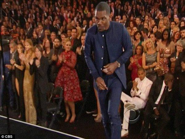 Adèle: Elle remet Chris Brown à sa place lors des derniers Grammy Awards !