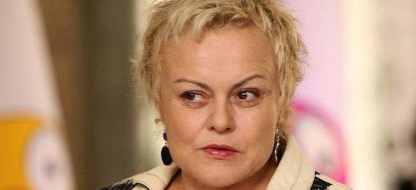 Muriel Robin: Après 8 ans d'absence, elle remonte sur scène !