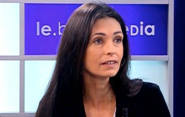 Adeline Blondiau: Elle veut le retrait des passages qui la concernent dans le livre de Johnny