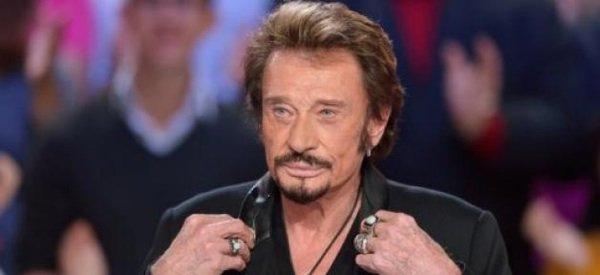 """Johnny Hallyday: Il a bien """"oublié"""" de signaler son divorce d'avec Adeline aux USA"""