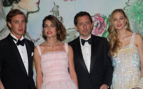 """Charlotte Casiraghi & Gad Elmaleh: Ils officialisent leur amour au """"Bal de le Rose"""""""