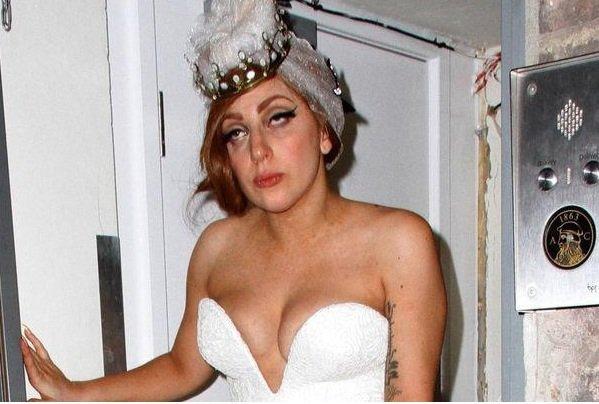 Lady Gaga: Ivre, elle a une tête qui fait peur ...