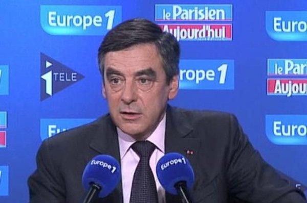 Mariage Gay: François Fillon demande à François Hollande de suspendre l'examen du texte
