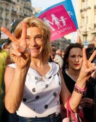 Frigide Barjot: Et maintenant elle souhaite présenter des candidats aux prochaines élections municipales...