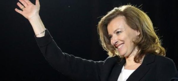 Valérie Trierweiler: L'héritier du groupe Casino l'attaque en justice, et l'accuse d'avoir du personnel et des bureaux à l'Elysée