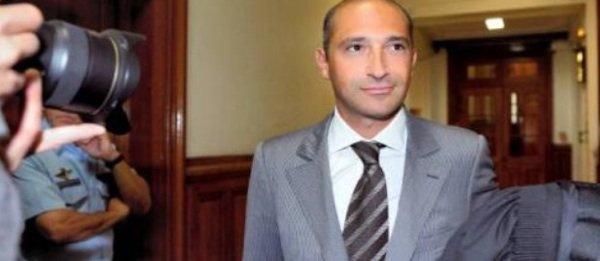 Thomas Fabius: Le fils du ministre aurait acheté un appartement à 7 millions d'euros... alors qu'il ne paye pas d'impôts !