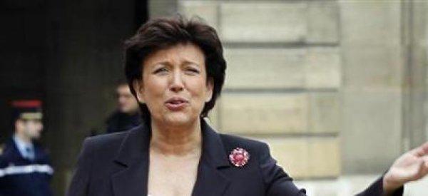 """Roselyne Bachelot: Claude Guéant, """"Soit c'est un menteur, soit c'est un voleur"""""""