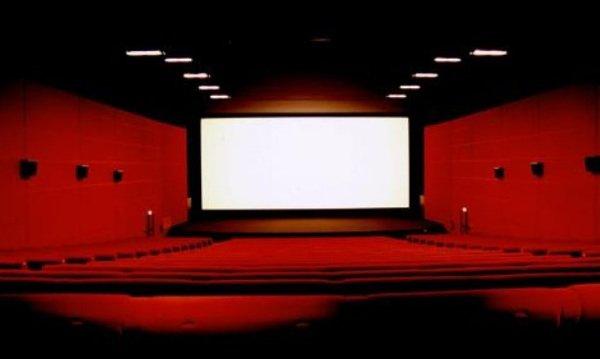 CSA: Les sages pourraient décider d'autoriser la publicité à la télé pour les films de cinéma