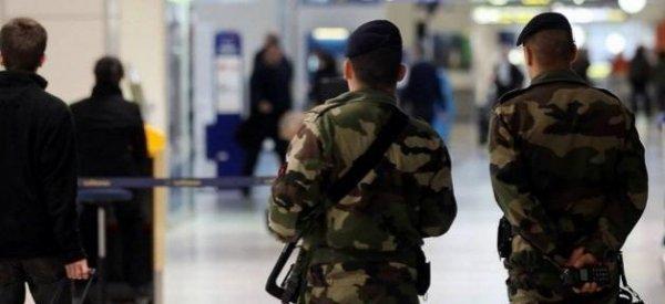 Alerte Info: Un militaire en mission Vigipirate poignardé à la gorge à la Défense
