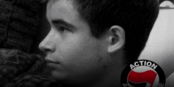 Un jeune homme de 19 ans est mort cette nuit après avoir été agressé à Paris par des militants d'extrême droite