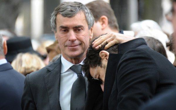 Patrick Bruel: Il a été réconforté par...  Jérôme Cahuzac, pendant les obsèques de Guy Carcassonne