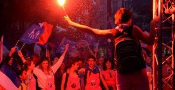 Un opposant au mariage gay, qui avait manifesté dimanche devant M6 contre Hollande, condamné à 2 mois de prison ferme !