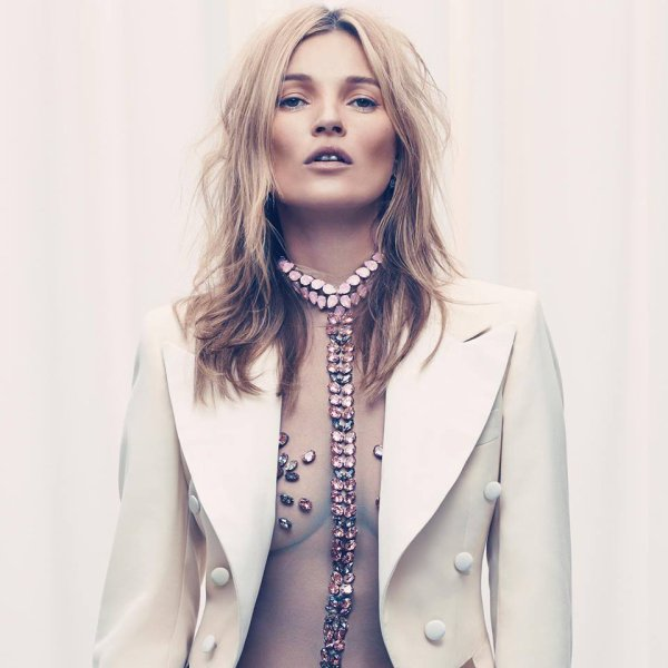 """Kate Moss: Découvrez la sublime en body transparent pour le """" Esquire"""" UK"""