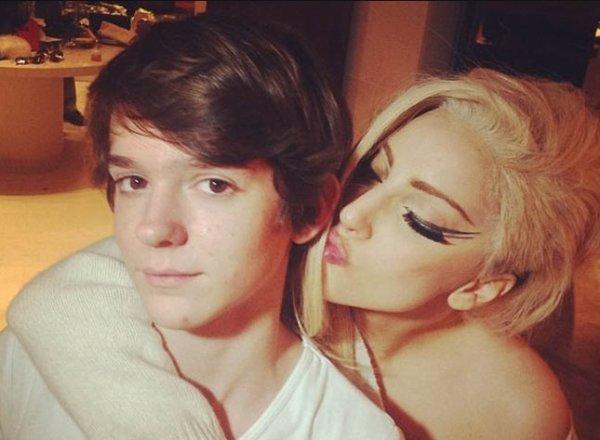 Lady Gaga: Pour son album ARTPOP, elle collabore avec un DJ   français de 18 ans