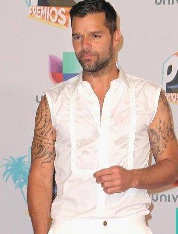 Ricky Martin: Il reconnaît avoir eu des pensées homophobe avant de faire son coming out