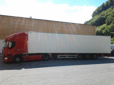 Voila un vrai un camion !! ( Le mien ) !!!
