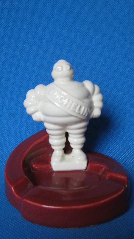Cendrier en porcelaine N°2