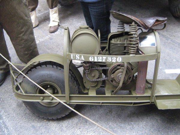 Moto CUSHMAN
