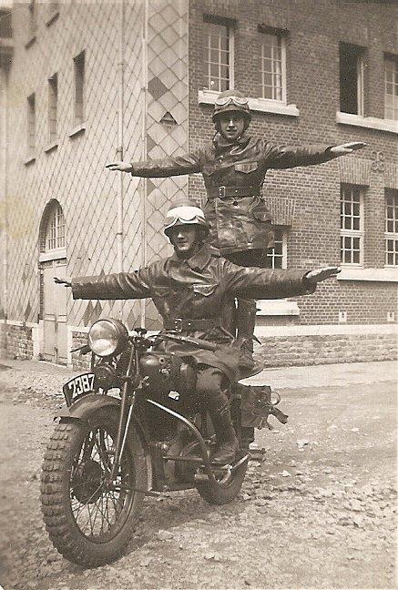 Moto militaire Gillet ???