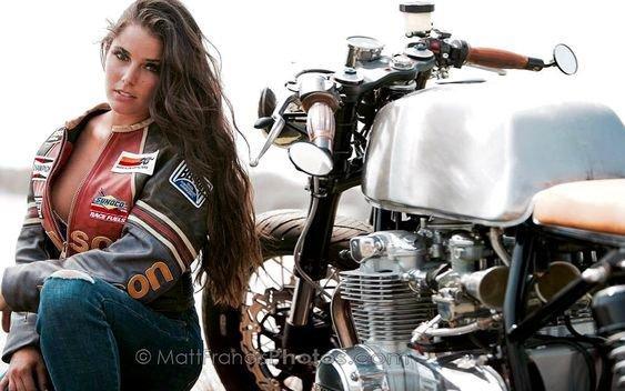 Café Racer & Girls