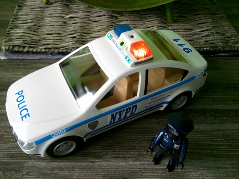 voiture de police nypd playmobil passion. Black Bedroom Furniture Sets. Home Design Ideas
