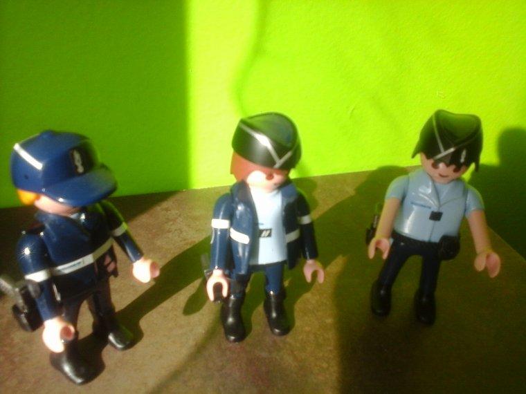 nouveaux gendarmes playmobil