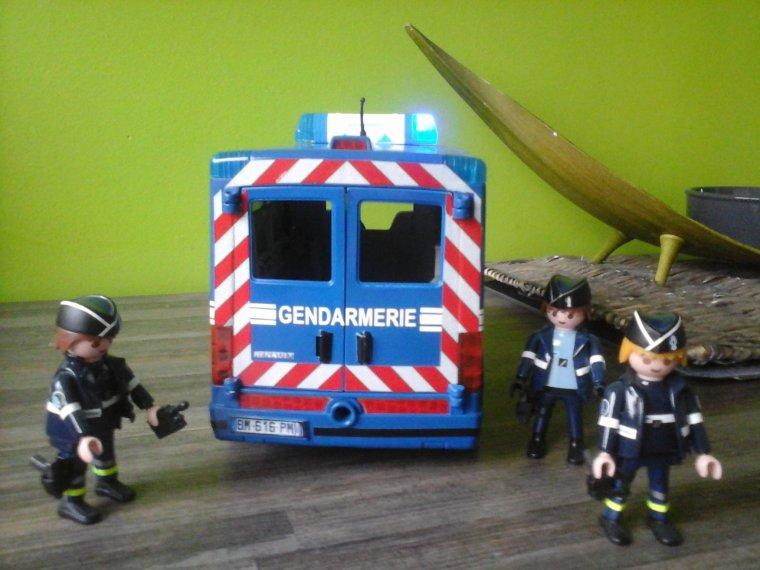 fourgon gendarmerie playmobil