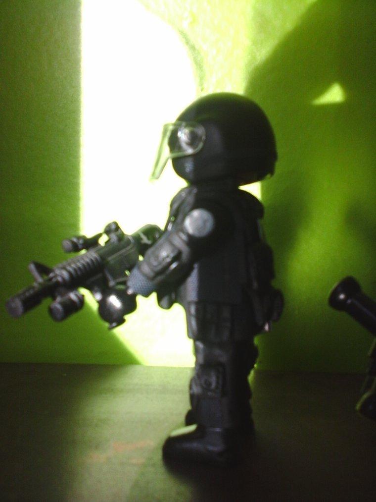 policier du RAID