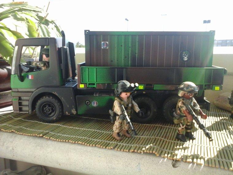 camion de transport militaire