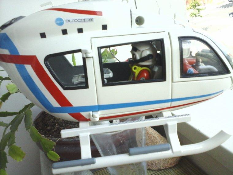 hélicoptère des douanes