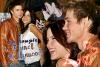 ••● Apparitions ►    - -  - - - - - - - - - - - - - - - - - - - - - - - - - - - - - - - - - - - - - - - - - - - - - - - - - - - - - -  Le 16 Janvier 2004, le couple ainsi que le cast de la série étaient invité pour une interview au Planet Hollywood et beaucoup de photos ont été prises. Chad & Sophia étaient très souriant, très proche et très démonstratif concernant leur relation, ce sont des photos que j'affectionne particulièrement.