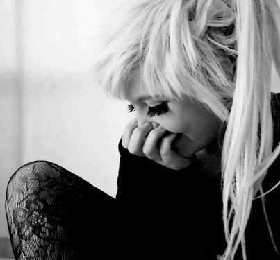 L'amour ressemble à ça : c'est quand on sent que rater quelqu'un serait rater sa vie. L'amour c'est quand on cesse d'hésiter. Quand tous les autres deviennent fades. - P.