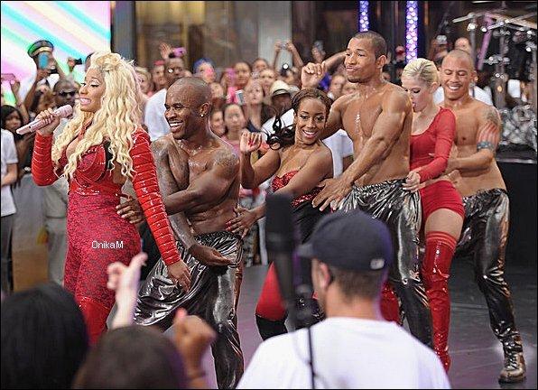 14/08/12 : Nicki était sur le tournage du Today Show à New York. Voir une partie du show → Ici