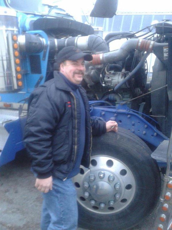 petite inspection du D-D,,,heuuu pardon du moteur detroit diesel,,