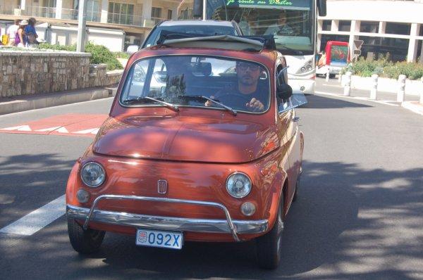 trop belle voiture à Monaco
