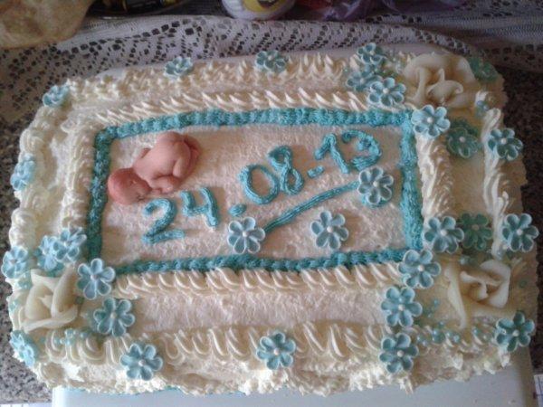 gâteau trois avec date du baptême